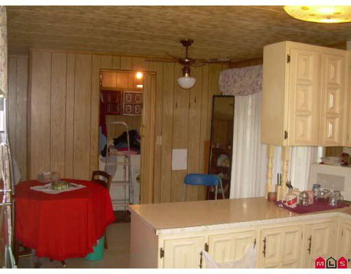 """Photo 5: Photos: 87 8190 KING GEORGE Highway in Surrey: Bear Creek Green Timbers Manufactured Home for sale in """"KING GEORGE"""" : MLS®# F2730200"""