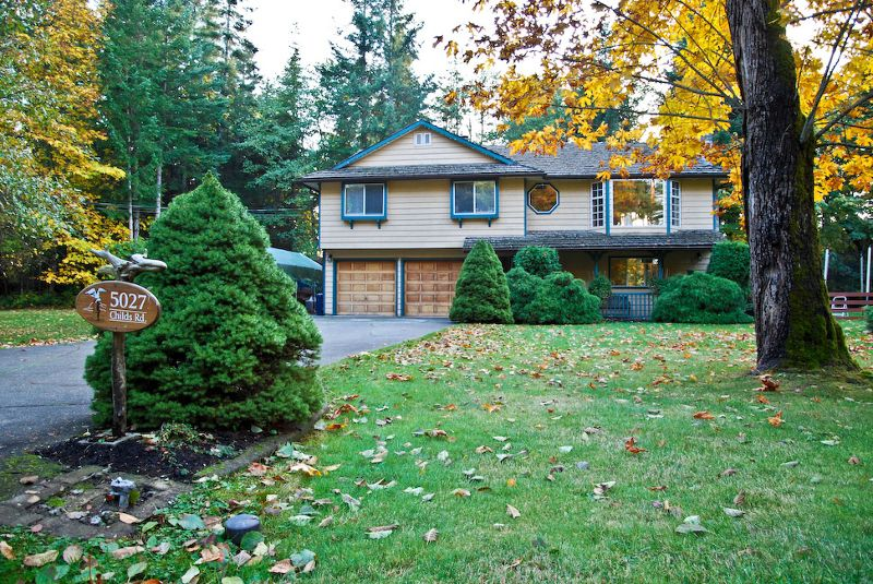 1.15 acre 3 bedroom family home