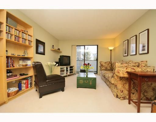 "Main Photo: 304 1396 BURNABY Street in Vancouver: West End VW Condo for sale in ""THE BRAMBLEBERRY"" (Vancouver West)  : MLS®# V691250"
