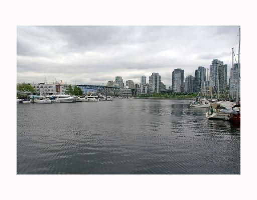 Main Photo: 1024 IRONWORK PASSAGE BB in Vancouver: False Creek Townhouse for sale (Vancouver West)  : MLS®# V713263