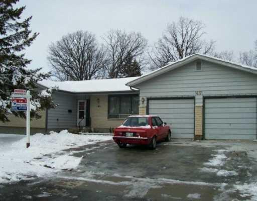 Main Photo: 49 WOODLAWN Avenue in Winnipeg: St Vital Single Family Detached for sale (South East Winnipeg)  : MLS®# 2618498