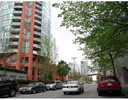 Main Photo: 606 907 BEACH Avenue in Vancouver: False Creek North Condo for sale (Vancouver West)  : MLS®# V708166