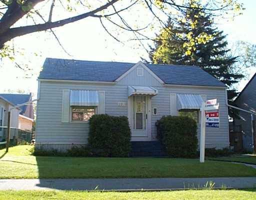 Main Photo: 223 ROSEBERRY Street in Winnipeg: St James Single Family Detached for sale (West Winnipeg)  : MLS®# 2507831