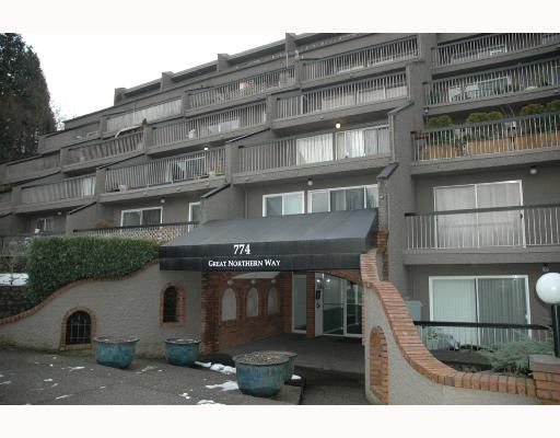 """Main Photo: 720 774 GREAT NORTHERN Way in Vancouver: Mount Pleasant VE Condo for sale in """"PACIFIC TERRACES"""" (Vancouver East)  : MLS®# V687294"""