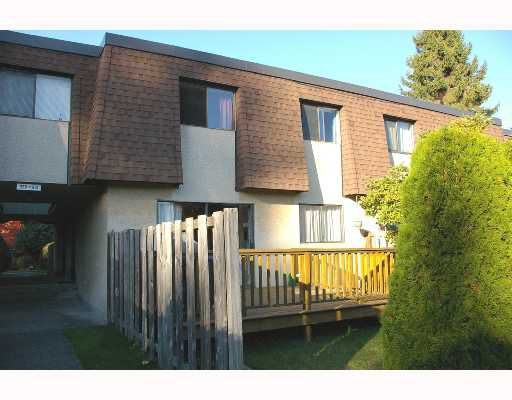 """Main Photo: 931 OLD LILLOOET Road in North_Vancouver: Lynnmour Townhouse for sale in """"LYNNMOUR VILLAGE"""" (North Vancouver)  : MLS®# V675576"""