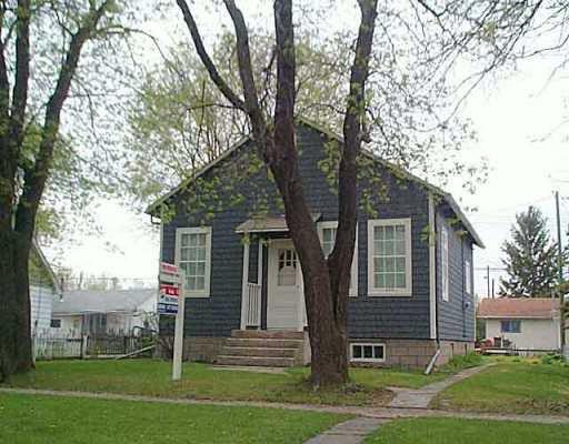 Main Photo: 1319 ROSEMOUNT Avenue in Winnipeg: Fort Garry / Whyte Ridge / St Norbert Single Family Detached for sale (South Winnipeg)  : MLS®# 2507244