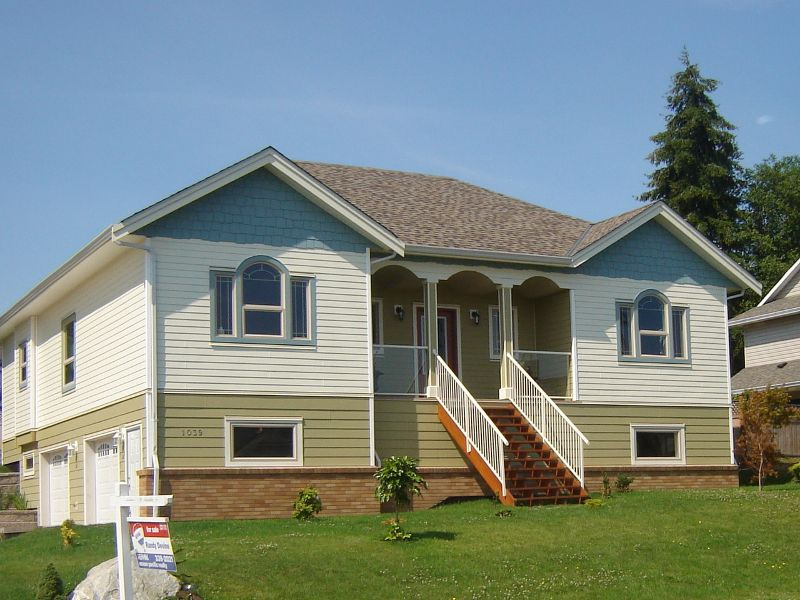 Main Photo: 1039 ARROWSMITH AVE in COURTENAY: Other for sale : MLS®# 279830