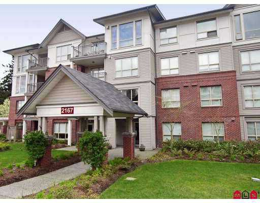 "Main Photo: 401 2167 152ND Street in White_Rock: Sunnyside Park Surrey Condo for sale in ""Muirfield Gardens"" (South Surrey White Rock)  : MLS®# F2717812"