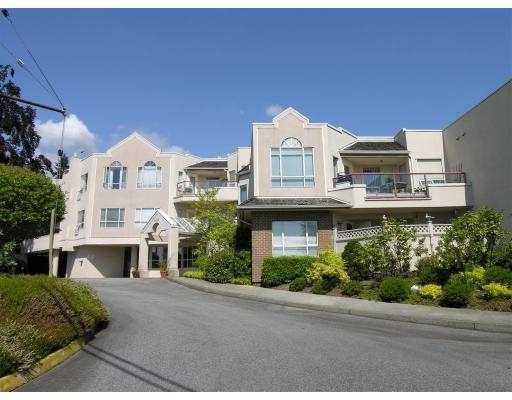"""Main Photo: 304 2800 CHESTERFIELD Ave in North Vancouver: Upper Lonsdale Condo for sale in """"SOMERSET GREEN"""" : MLS®# V645038"""