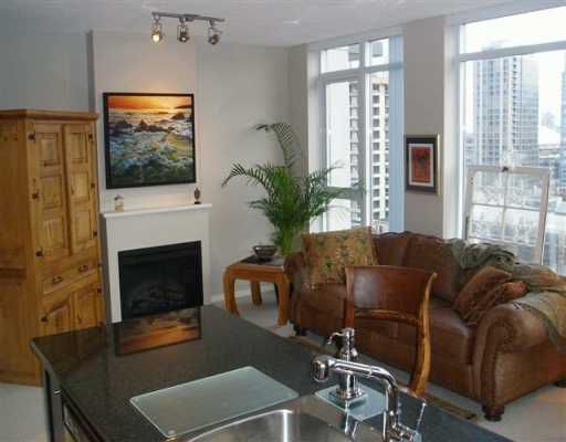 """Main Photo: 1206 1001 HOMER ST in Vancouver: Downtown VW Condo for sale in """"BENTLEY"""" (Vancouver West)  : MLS®# V571498"""