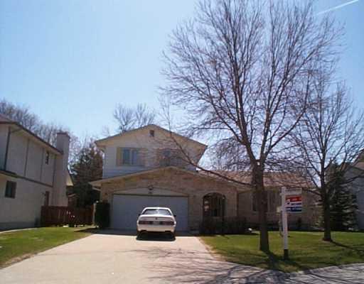 Main Photo: 43 PRESTWOOD Place in Winnipeg: Fort Garry / Whyte Ridge / St Norbert Single Family Detached for sale (South Winnipeg)  : MLS®# 2405342