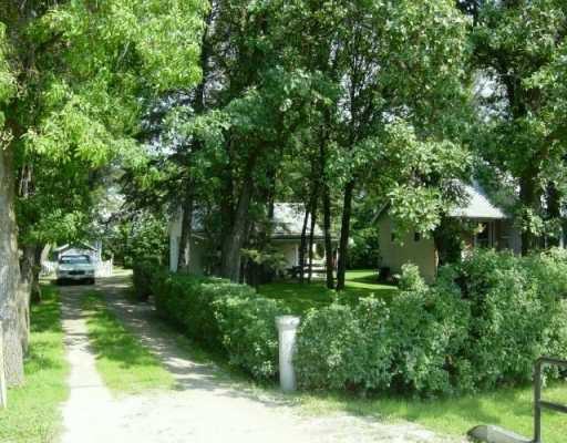 Main Photo: 1127 LEE Boulevard in Winnipeg: Fort Garry / Whyte Ridge / St Norbert Single Family Detached for sale (South Winnipeg)  : MLS®# 2511850