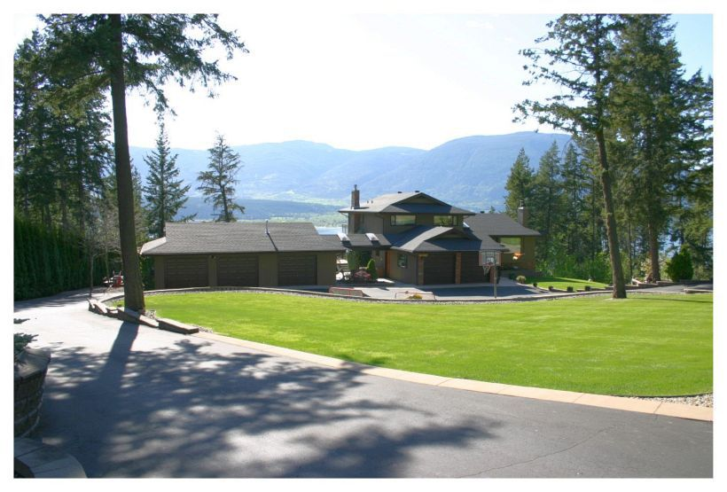 Main Photo: 4061 Upper Lakeshore Road N.E. in Salmon Arm: Waterview Acreage House for sale (NE Salmon Arm)  : MLS®# 10093558