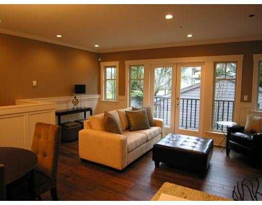Main Photo: 208 W 13TH Avenue in Vancouver: Mount Pleasant VW Townhouse for sale (Vancouver West)  : MLS®# V684422