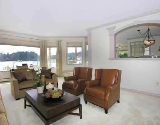 """Photo 3: Photos: 2748 PANORAMA Drive in North_Vancouver: Deep Cove House for sale in """"DEEP COVE"""" (North Vancouver)  : MLS®# V704268"""