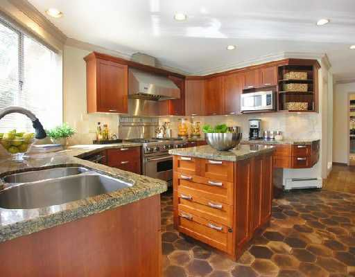 """Photo 6: Photos: 2748 PANORAMA Drive in North_Vancouver: Deep Cove House for sale in """"DEEP COVE"""" (North Vancouver)  : MLS®# V704268"""