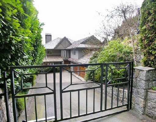 """Photo 10: Photos: 2748 PANORAMA Drive in North_Vancouver: Deep Cove House for sale in """"DEEP COVE"""" (North Vancouver)  : MLS®# V704268"""