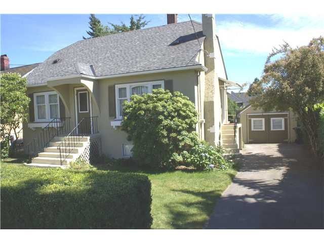 "Main Photo: 2028 DUBLIN ST in New Westminster: Connaught Heights House for sale in ""CONNAUGHT HEIGHTS"" : MLS®# V901437"