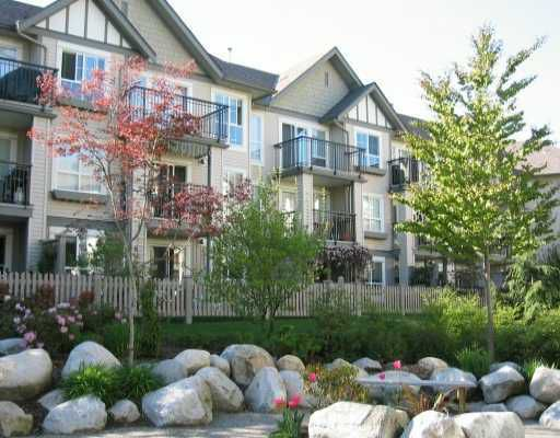 """Main Photo: 256 1100 E 29TH Street in North_Vancouver: Lynn Valley Condo for sale in """"HIGHGATE TERRACE"""" (North Vancouver)  : MLS®# V672993"""