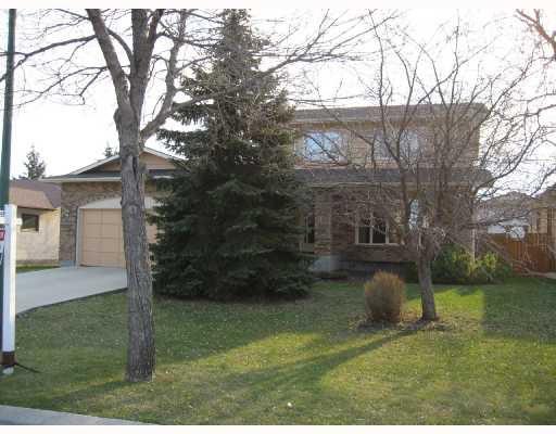 Main Photo: 58 GROVELAND Bay in WINNIPEG: Fort Garry / Whyte Ridge / St Norbert Residential for sale (South Winnipeg)  : MLS®# 2719346