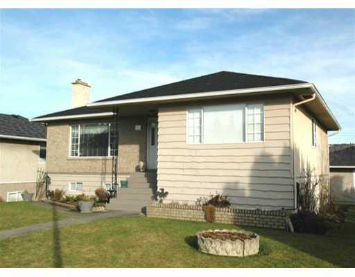 Main Photo: 252 STRATFORD Ave in Burnaby: Capitol Hill BN House for sale (Burnaby North)  : MLS®# V630407