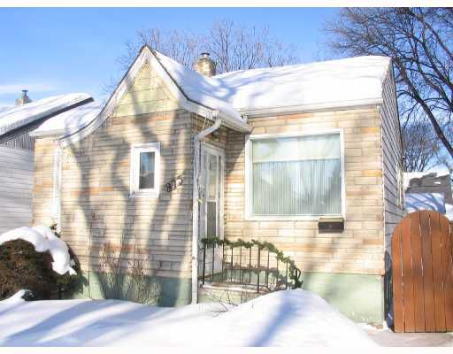 Main Photo: 873 DUDLEY Avenue in WINNIPEG: Fort Rouge / Crescentwood / Riverview Residential for sale (South Winnipeg)  : MLS®# 2802364