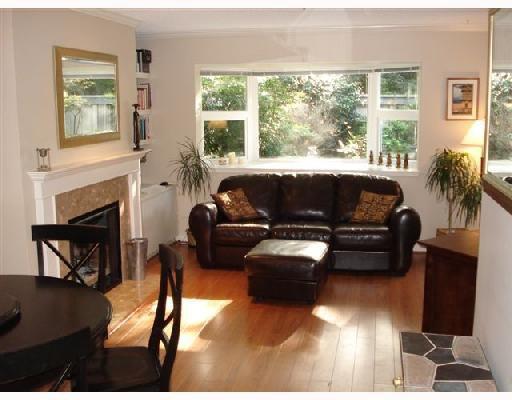 Main Photo: 105 2256 W 7TH Avenue in Vancouver: Kitsilano Condo for sale (Vancouver West)  : MLS®# V675647