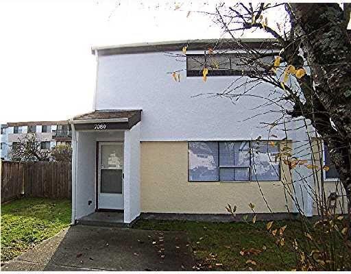 Main Photo: 7080 LINDSAY Road in Richmond: Condo for sale : MLS®# V678511