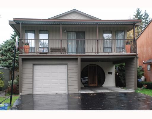 "Main Photo: 3267 SAMUELS Court in Coquitlam: New Horizons House for sale in ""NEW HORIZONS"" : MLS®# V796976"