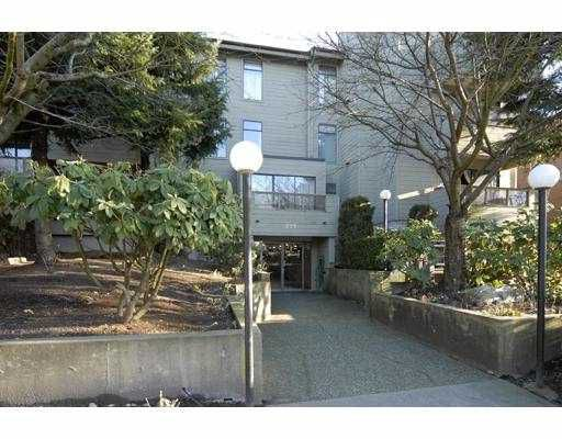 """Main Photo: 106 225 MOWAT Street in New_Westminster: Uptown NW Condo for sale in """"THE WINDSOR"""" (New Westminster)  : MLS®# V685354"""