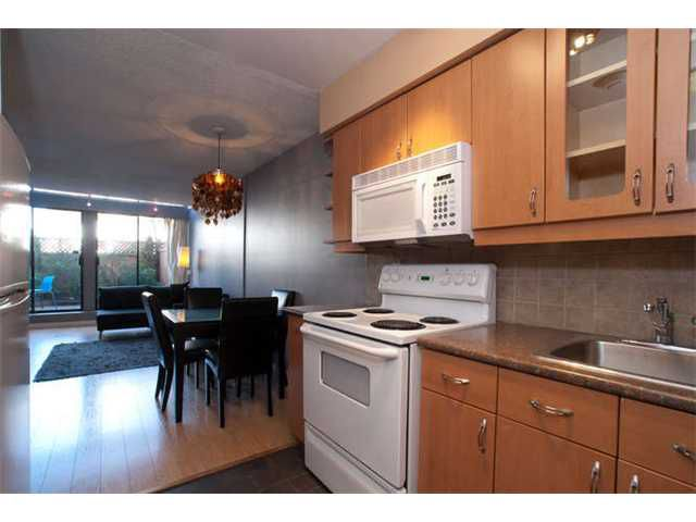 "Main Photo: # 108 2125 YORK AV in Vancouver: Kitsilano Condo for sale in ""YORK GARDENS"" (Vancouver West)  : MLS®# V854742"
