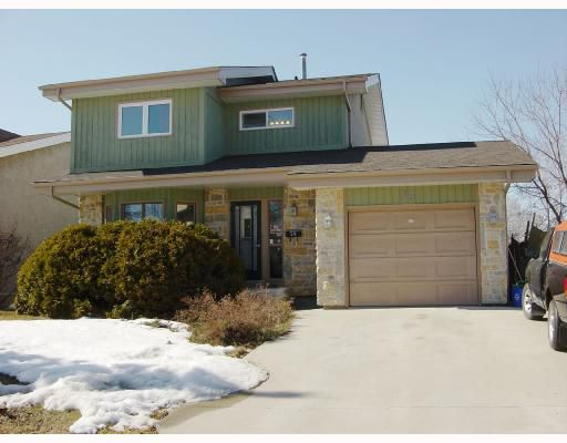 Main Photo: 74 CLEARVIEW Drive in WINNIPEG: North Kildonan Residential for sale (North East Winnipeg)  : MLS®# 2805006