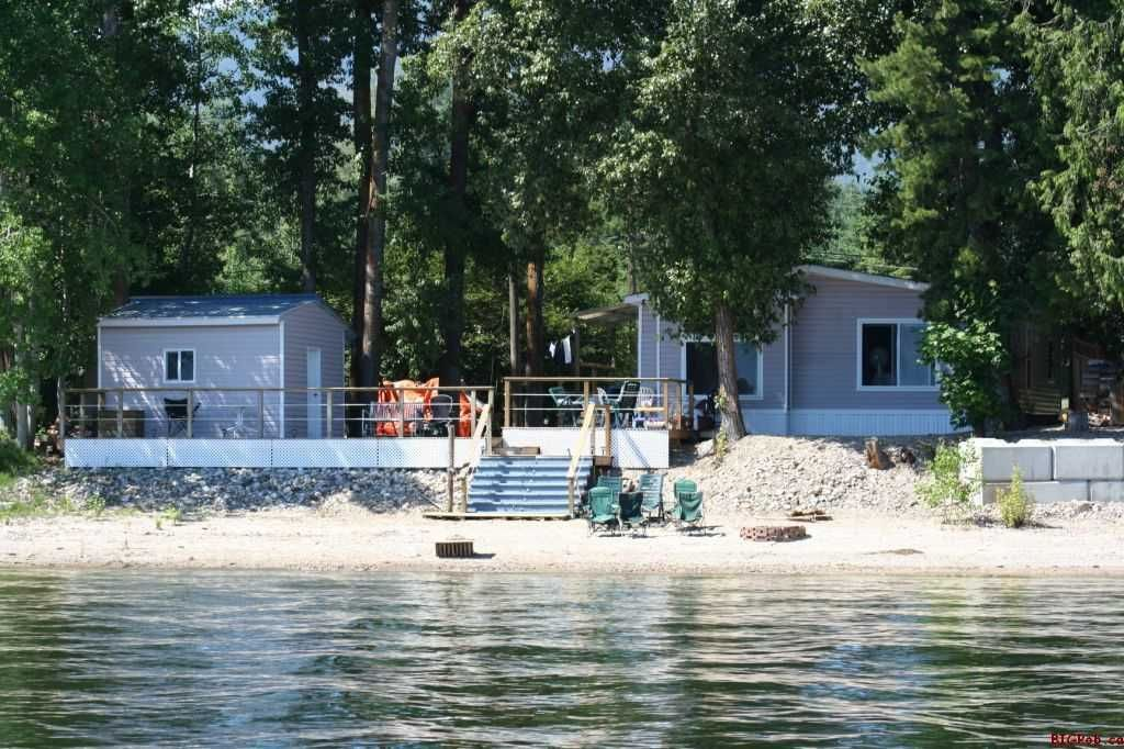 Main Photo: 5362 Pierre's Point Road in Salmon Arm: Waterfront Residential Detached for sale : MLS®# Exclusive