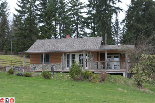 Main Photo: 29919 DEWDNEY TRUNK RD in Mission: House for sale : MLS®# F1103492