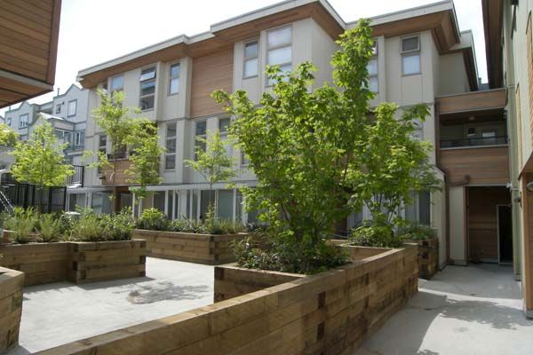 """Main Photo: 30 638 W 6TH Avenue in Vancouver: Fairview VW Townhouse for sale in """"STELLA DEL FIORDO"""" (Vancouver West)  : MLS®# V670159"""