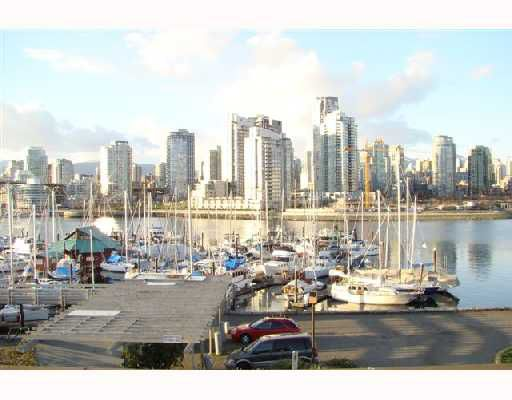 """Main Photo: 1002 IRONWORK PASSAGE BB in Vancouver: False Creek Townhouse for sale in """"MARINE MEWS"""" (Vancouver West)  : MLS®# V699587"""
