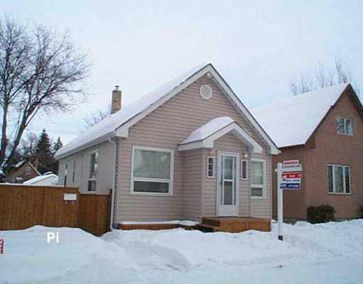 Main Photo: 77 MCADAM Avenue in Winnipeg: West Kildonan / Garden City Single Family Detached for sale (North West Winnipeg)  : MLS®# 2701861