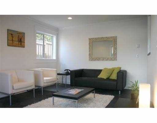 """Main Photo: 103 998 W 19TH AV in Vancouver: Cambie Condo for sale in """"SOUTHGATE PLACE"""" (Vancouver West)  : MLS®# V560118"""