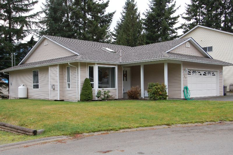 Photo 2: Photos: 181 JOHNSON PLACE: House for sale : MLS®# 268521