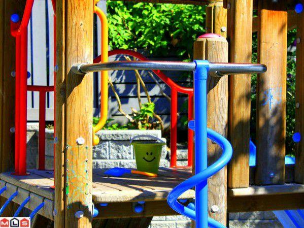 Main Photo:  in Surrey: Morgan Creek Condo for sale (South Surrey White Rock)  : MLS®# F1121666