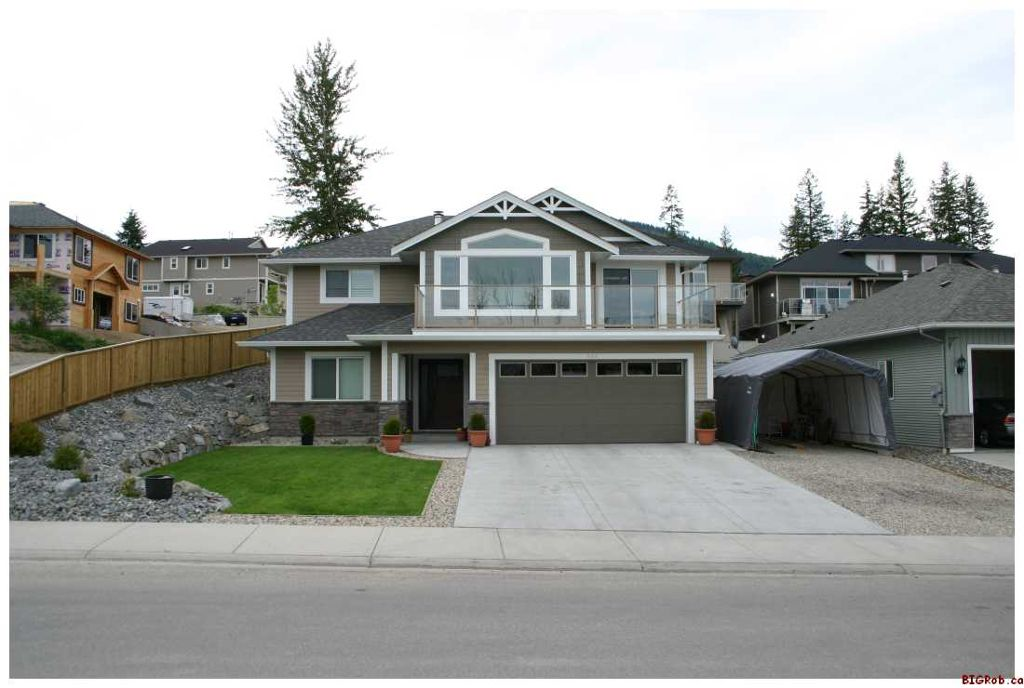 Main Photo: 820 - 17th Street S.E. in Salmon Arm: Laurel Estates Residential Detached for sale : MLS®# 10009201