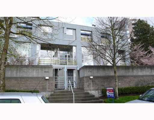"""Main Photo: 3067 E KENT NORTH Avenue in Vancouver: Fraserview VE Townhouse for sale in """"PHOENIX"""" (Vancouver East)  : MLS®# V702505"""
