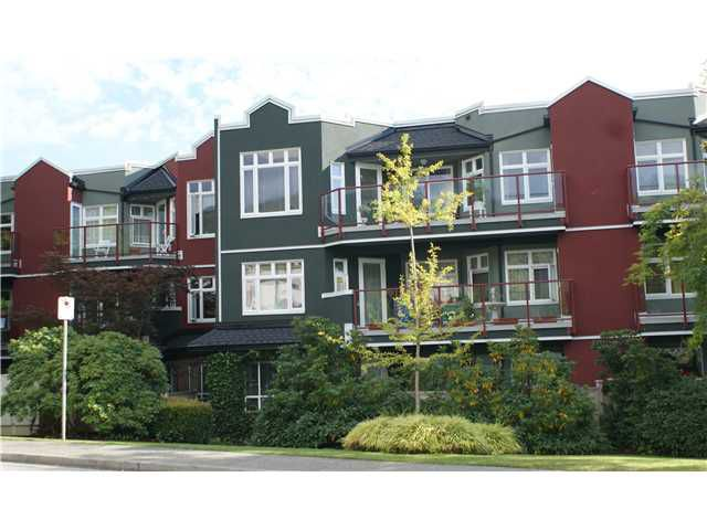 Main Photo: 506-2800 Chesterfield Ave in North Vancouver: Upper Lonsdale Condo for sale : MLS®# V849283