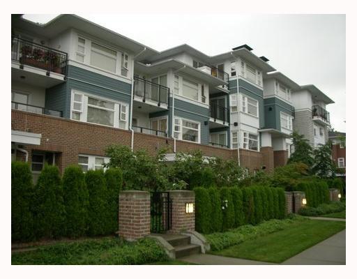 "Main Photo: 215 6508 Denbigh Avenue in Burnaby: Forest Glen BS Condo for sale in ""OAKWOOD"" (Burnaby South)  : MLS®# V662968"