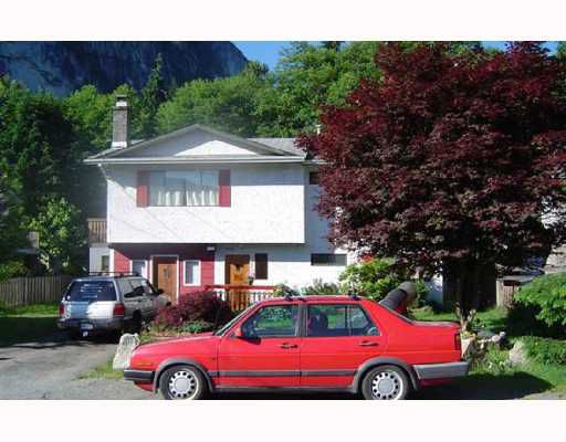 Main Photo: 37924 MAGNOLIA Crescent in Squamish: Valleycliffe House for sale : MLS®# V654219
