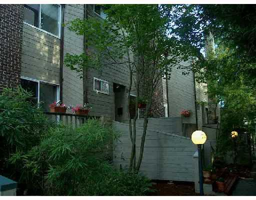 Main Photo: 753 W QUEENS Road in North_Vancouver: Delbrook Townhouse for sale (North Vancouver)  : MLS®# V666776
