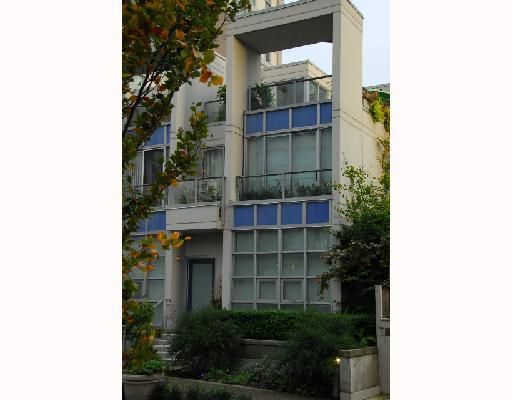 Main Photo: 1438 STRATHMORE MEWS BB in Vancouver: False Creek North Townhouse for sale (Vancouver West)  : MLS®# V705067
