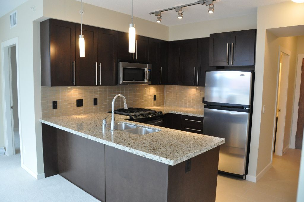 """Main Photo: 707 1075 SUNSET Drive in Kelowna: Condo  in """"SKYE at WATERSCAPES"""""""