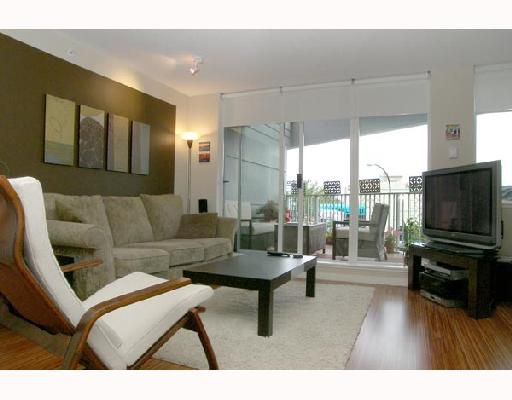 "Main Photo: 203 328 E 11TH Avenue in Vancouver: Mount Pleasant VE Condo for sale in ""UNO"" (Vancouver East)  : MLS®# V662395"