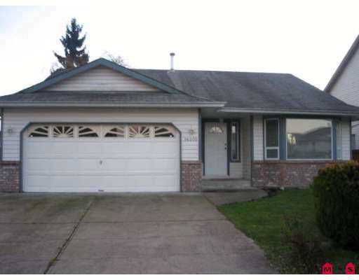 Main Photo: 16070 92ND Ave in Surrey: Fleetwood Tynehead House for sale : MLS®# F2627302